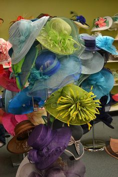 Custom made Kentucky Derby hats at Dee's in Louisville, Kentucky and an Easy Guide To Making Your Own Derby Hat.