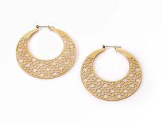 2D Crescent Mesh Gold Earrings