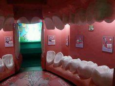 Lo studio di un #dentista. Non so se definirlo geniale o inquietante, un plauso va comunque all'idea sicuramente originale!