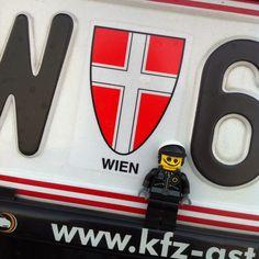 LEGO good cop @ Vienna