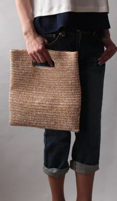 Crochet purses and handbags or authentic Crochet handbags then Look at the website press the grey link for extra informationcrochet bag - handbag or fold over to convert to clutch - Japanese site, no patternSimple,timeless crochet bag (picture only)t Crochet Clutch Bags, Crochet Handbags, Crochet Purses, Crochet Bags, Crochet Diy, Love Crochet, Crochet Gifts, Purse Patterns, Crochet Patterns