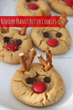 Best Christmas Desserts - Recipes and Christmas Treats to Try this Year! , 42 Best Christmas Desserts - Recipes and Christmas Treats to Try this Year! , 42 Best Christmas Desserts - Recipes and Christmas Treats to Try this Year! Holiday Cookies, Holiday Treats, Holiday Recipes, Christmas Cookies Kids, Fun Cookies, Sugar Cookies, Christmas Cupcakes, Snicker Cookies, Grinch Cookies