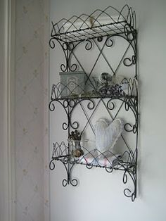 . Art Du Fil, Iron Wire, Wood Stone, Home Comforts, Wire Baskets, Wire Art, Wrought Iron, Diy Clothes, Wind Chimes