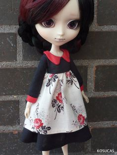Dress and underskirt for Pullip dolls. por Kosucas en Etsy