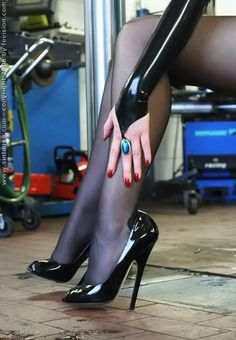 Stilettos in black patent. Sexy High Heels, High Heels Boots, Beautiful High Heels, Sexy Legs And Heels, Hot Heels, High Heel Pumps, Pumps Heels, Stiletto Heels, Stilettos