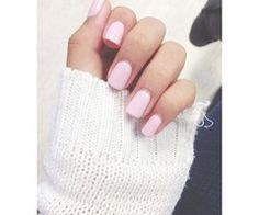 zacht roze nagels