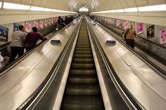 Angel station. London, stairs, las mas largas
