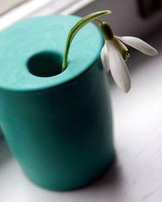 Мастер-класс как быстро сделать миниатюрную вазу из стакана и воздушного шара. Вазочка своими руками - интересная идея декора для дома.