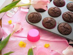 Parhaat ja pehmeimmät Suklaamuffinssit Love Food, Food And Drink, Cooking Recipes, Candy, Cookies, Chocolate, Baking, Breakfast, Sweet