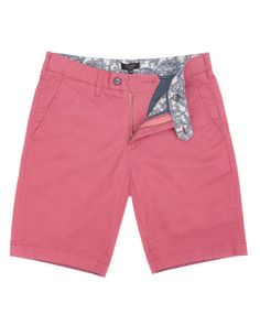 Camo printed shorts, tailored shorts, chino shorts, geo print shorts and colourful casual shorts comprise to make up our men's short selection. Pink Shorts, Cotton Shorts, Men's Shorts, Summer Outfits Men, Stylish Mens Outfits, Designer Mens Shorts, Tommy Hilfiger Chinos, Pink Chinos, Mens Golf Outfit