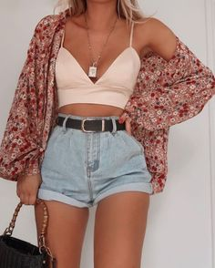 Look 4 or Had to have an oversized shirt in the Poesy print - styling FAVE 💗 Cute Casual Outfits, Girly Outfits, Mode Outfits, Cute Summer Outfits, Short Outfits, Sexy Outfits, Pretty Outfits, Summer Outfits Boho Indie, Outfit Ideas Summer