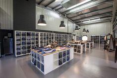 Hast du gewusst, dass man bei uns auch gleich vor Ort einkaufen kann? Hier gibt's den interaktiven Rundgang durch den grössten #Jeans-Shop der #Schweiz! http://www.jeans.ch/store-faellanden/
