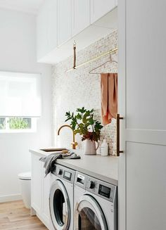 60 most popular laundry room with toilet design id - Murales Pared Exterior Laundry Room Layouts, Laundry Room Organization, Small Laundry, Laundry In Bathroom, Laundry Rooms, Laundry Decor, Laundry Closet, Bathroom Heater, Laundry Shop
