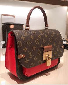 2020 New Louis Vuitton Handbags Collection for Women Fashion Bags Vuitton Bag, Louis Vuitton Handbags, Tote Handbags, Purses And Handbags, Louis Vuitton Monogram, Cheap Handbags, Summer Handbags, Stylish Handbags, Wholesale Handbags