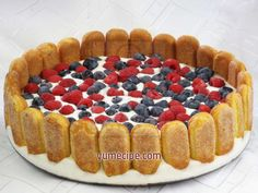 Easy and quick recipe for refreshing fruit cake with sponge biscuits, curd cheese and sour cream. Blueberry Cookies, Cookies And Cream, Quick Recipes, Cheesecake Recipes, Bon Appetit, Sour Cream, Tiramisu, Tart, Raspberry
