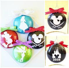 Disney Christmas Crafts, Mickey Mouse Christmas, Merry Little Christmas, Disney Crafts, Christmas Diy, Disney Holidays, Christmas Things, Minnie Mouse, Diy Xmas Ornaments