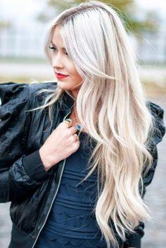 48. El cabello largo puede ser actualizado con capas largas.