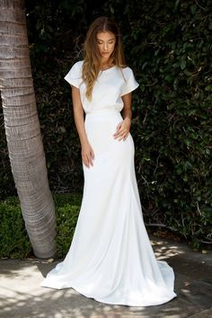 Fabulous Wedding Dresses ideas 7518054276 - Eye pleasing wedding gown help to create a really remarkable dress. Casual Wedding, Wedding Attire, Trendy Wedding, Wedding Gowns, Wedding Ideas, Wedding Simple, Rustic Wedding, Simple Short Sleeve Wedding Dress, Diy Wedding