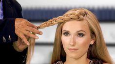 Slide-Up Braid Hairstyle - The Belt Buckle Braid - Sam Villa Texturizing Iron Bohemian Hairstyles, Funky Hairstyles, Beautiful Hairstyles, Bob Hairstyle, Braided Hairstyles Tutorials, Hair Tutorials, Hairdos, Bohemian Hair Accessories, New Hair Do
