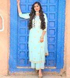 Punjabi Salwar Suits, Punjabi Dress, Salwar Kameez, Punjabi Fashion, Indian Fashion, Dress Indian Style, Indian Outfits, Lehenga Hairstyles, Punjabi Models