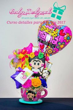 Holiday Baskets, Mother's Day Gift Baskets, Diy Mothers Day Gifts, Bff Gifts, Edible Arrangements Mothers Day, Mexican Mothers Day, Felt Crafts, Diy And Crafts, Balloon Delivery
