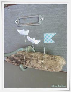 Holz und Papierschiffchen tolle Idee - muss ich nachmachen