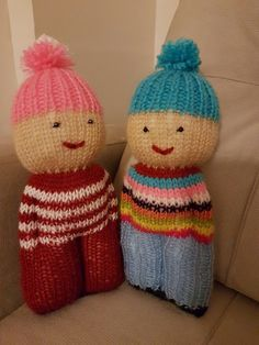 I love knitting comfort dolls. Knitted Doll Patterns, Crochet Flower Patterns, Knitted Dolls, Loom Patterns, Crochet Toys, Knitted Hats, Knitting Patterns, Crochet Pattern, Round Loom Knitting