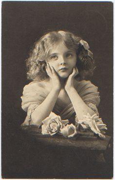 Cute vintage girl.