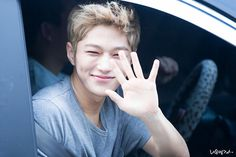 140727 leaving SBS Inkigayo© 나무엘 | do not edit/crop/remove the watermark.