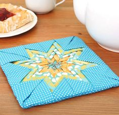 Brighten Your Table With This Cheerful Hot Pad - Quilting Digest Quilting Tips, Quilting Tutorials, Quilting Projects, Potholder Patterns, Quilt Patterns, Apron Patterns, Dress Patterns, Lone Star Quilt, Star Quilts
