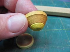 Dollhouse Miniature Furniture - Tutorials | 1 inch minis: How to make paper pottery