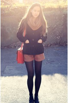 short+tights=my winter staple Cozy Fashion, Hipster Fashion, Fall Winter Outfits, Autumn Winter Fashion, Fall Fashion, Casual Outfits, Fashion Outfits, Womens Fashion, Pretty Outfits