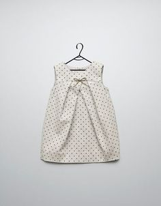 mini dot dress at Zara - yet another gorgeous baby girl dress that I WANT FOR ME! Little Dresses, Little Girl Dresses, Girls Dresses, Baby Dresses, Girl Skirts, Summer Dresses, Little Girl Fashion, Fashion Kids, Trendy Fashion