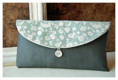 Seafoam grau Kupplung Brautjungfer floral blau grau von hoganfe, $19.00