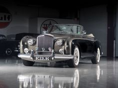 1956 Bentley Continental Drophead Coupe by Park Ward Bentley Convertible, Bentley Car, Bentley Motors, Classic European Cars, Classic Cars, Bentley Automobiles, Vintage Cars, Antique Cars, Classic Rolls Royce