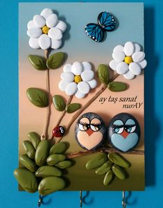Another small pallet art picture. This one's for my mother in-law. She is a great artist/crafter. She does – BuzzTMZ Stone Crafts, Rock Crafts, Diy And Crafts, Crafts For Kids, Arts And Crafts, Paper Crafts, Pebble Painting, Pebble Art, Stone Painting