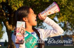 This super simple megaphone is the perfect way to let customers know about the yummy new addition to the cookie team, Rah-Rah Raisins. Buy Girl Scout Cookies, Girl Scout Cookie Sales, Gs Cookies, Yummy Cookies, Cookie Box, Cookie Ideas, Charitable Donations, Booth Ideas, Super Simple