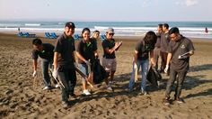 The Villas team along with many other Bali Hotel Association volunteers assisted to clean 19.5 km's of Bali's beaches earlier this week.   Awesome job everyone!