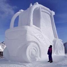 Snow Sculptures, Cute Posts, Snow And Ice, Ice Queen, Lifted Trucks, Cool Pictures, Product Launch, Cold, Places