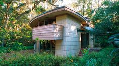 Tallahassee is home to the only private residence designed by Frank Lloyd Wright in Florida. The Spring House was featured in this article by Vie Magazine. #IHeartTally