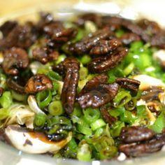 סלט פטריות אלוהי עם המרכיב הסודי Mushroom Dish, Mushroom Salad, Vegetarian Recipes, Cooking Recipes, Healthy Recepies, Healthy Food, Israeli Food, Food Design, Soup And Salad