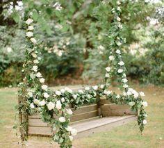 Balanço decorado com flores. (Foto: Divulgação)