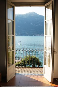 Why Lake Como is One of Italy's Best Kept Secrets | The Everygirl