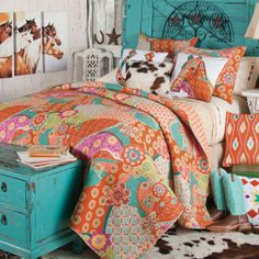 To have a better bedroom décor, you must have an outline of exactly what the bedroom design will entail. Your bedroom deign should be such that it creates a relaxing feel. Another cheap way to plan a bedroom design is… Continue Reading → Western Rooms, Western Bedding, Western Decor, Quilt Bedding, Bedding Sets, Horse Bedding, Bedding Storage, Horse Quilt, White Bedding