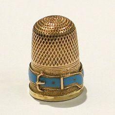 Dé à coudre en or décoré d'une ceinture d'émail turquoise. - Ghislaine Chaplier
