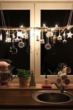 Lighted Christmas Decor for a Kitchen Window