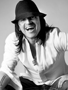 Elvis Crespo Puerto Rico, Latina, Black Men, Black And White, New Law, Types Of Music, Good People, Music Artists, Famous People