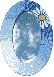 Mosaic Projects, Mosaic Art, Stained Glass, Tableware, Mirrors, Plates, Diy, Mosaic Mirrors, Mosaic Crafts