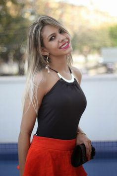 Blog da Estefane: Look do dia com saia laranja e body