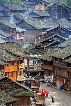 View of Huanggang Dong village, located in Congjiang county, Guizhou province of China. Chinese Buildings, Ancient Chinese Architecture, China Architecture, Architecture Design, Architecture Office, Futuristic Architecture, Places Around The World, Around The Worlds, Provinces Of China